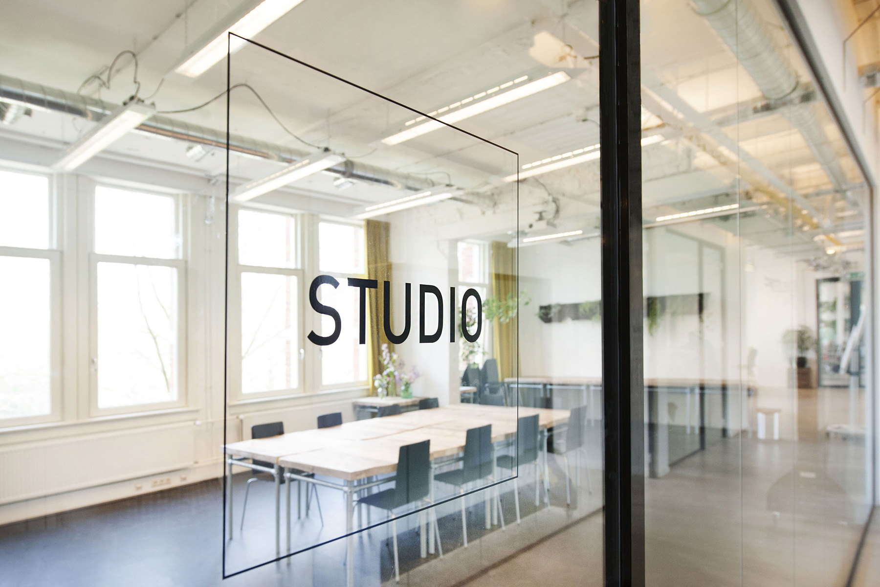 glass studio meeting room transparency business involvement interaction impact hub westerpark amsterdam