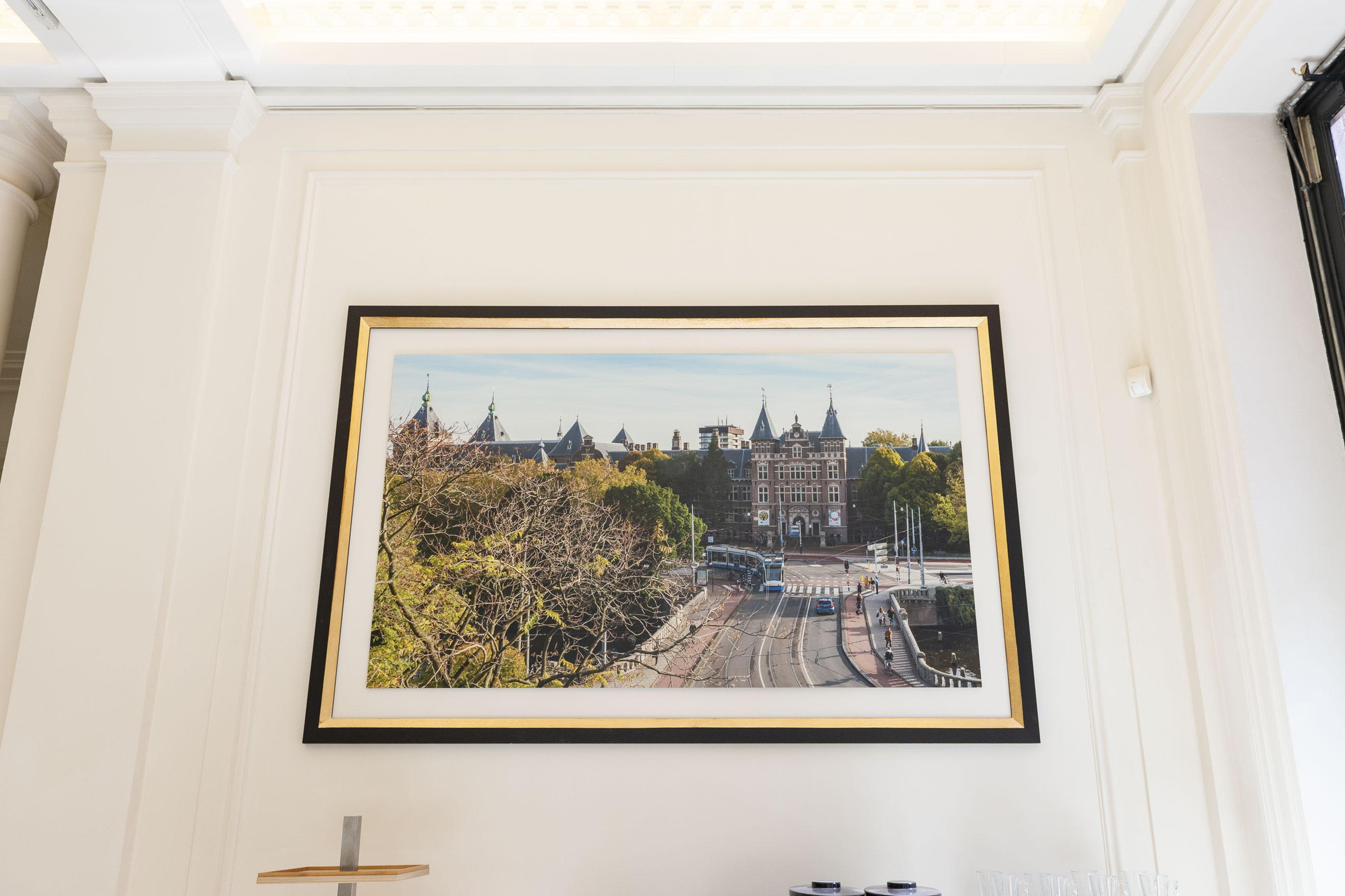 2738x1825_marble_hall_frames_2